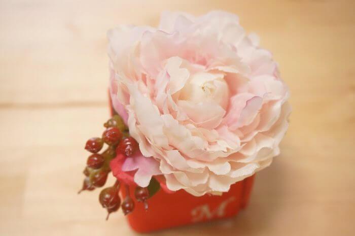 憧れの箱パカプロポーズに!指輪以外のとっておきな贈りものとは?|メリアルームのお花のギフトを女性目線で口コミ本音評価