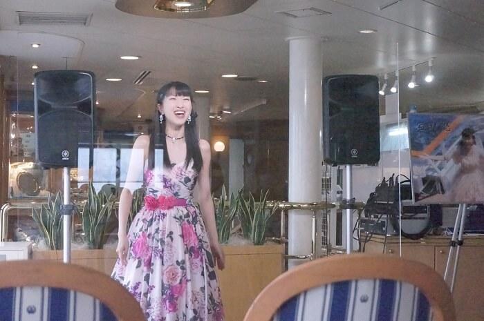歌手の岩田悠(いわたゆう)さん