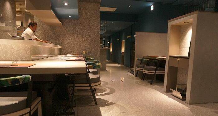 銀座Salon de AgingBeefはカウンター席の他、個室も完備。