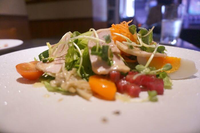 野菜もりもり!贅沢サラダ|<Chez-Ryo(シェ・リョウ)>のランチメニュー
