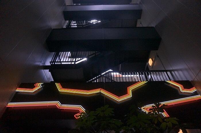 ホテル内の電飾アートも素敵。
