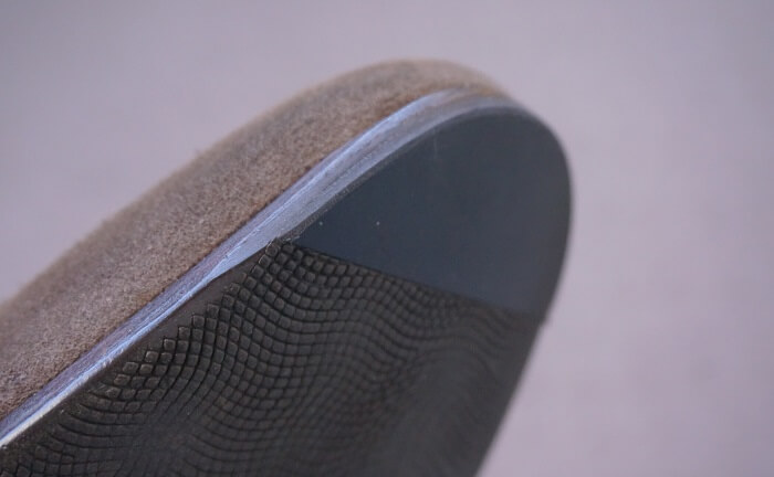 革靴のつま先の減りも修理で治せる。