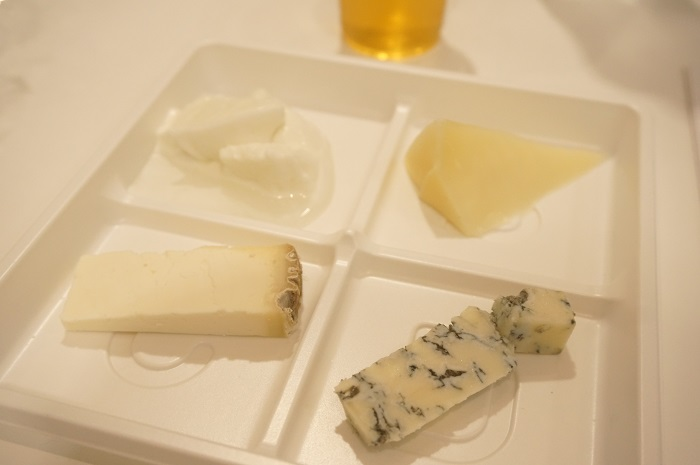 イタリアチーズ食べ比べ。