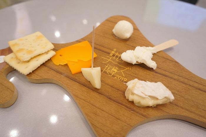 表参道ヒルズの北海道地チーズ博2019で北海道のチーズ食べ比べ。