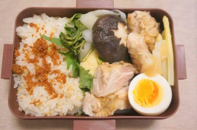 シイタケとセリの味噌煮×ハニーマスタードの鶏モモソテー×ホワイトアスパラガス×ゆで卵