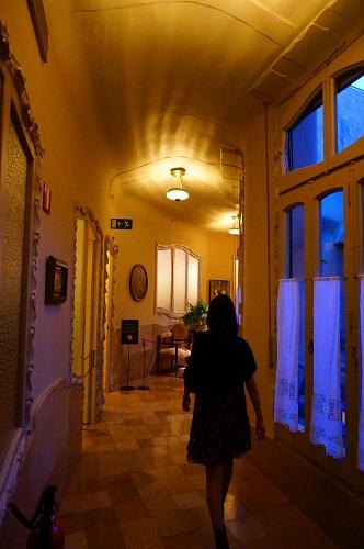 カサミラ見学!ガウディの作品に住めるっていう噂を実際にでかけてチェックしてみました。