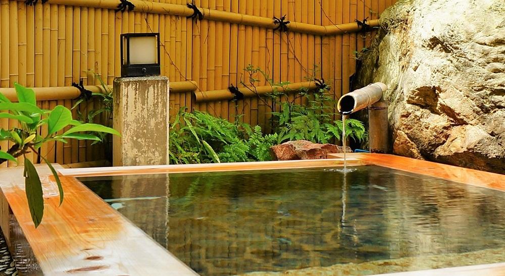 鬼怒川温泉で立ち寄り湯するなら「湯の蔵」の貸切露天風呂がいい