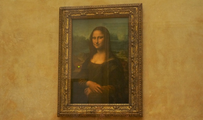 パリのルーブル美術館にいるダ・ヴィンチの名画モナ・リザを見てきた