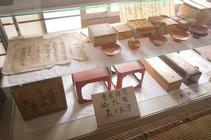 <榛の木林資料館>にある渡辺泉氏の家のなか。昔の生活や文化を感じます。
